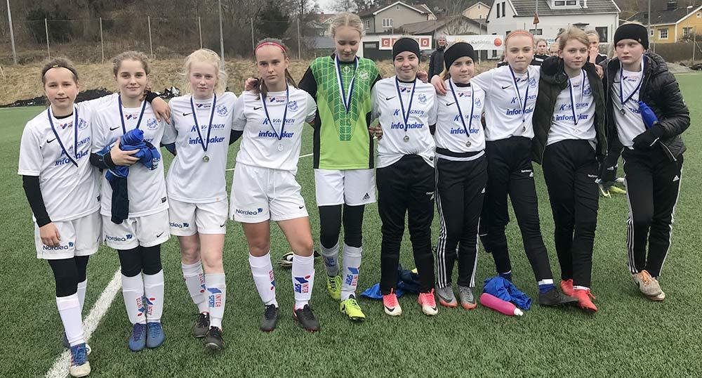 IFK/AIF tar silver i F05. Nöjda men ändå inte helt. ;)